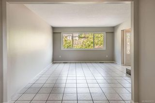 Photo 7: 973 Weaver Pl in Langford: La Walfred House for sale : MLS®# 850635