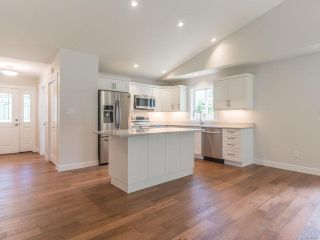 Photo 9: 2125 Caledonia Ave in NANAIMO: Na Extension House for sale (Nanaimo)  : MLS®# 841131