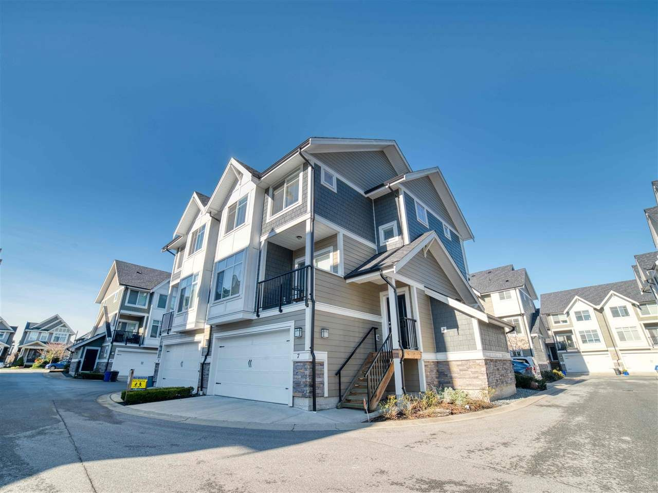 """Main Photo: 7 7374 194A Street in Surrey: Clayton Townhouse for sale in """"Asher"""" (Cloverdale)  : MLS®# R2536386"""