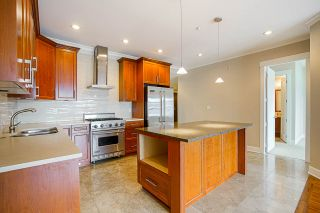 """Photo 13: 201 6688 ROYAL Avenue in West Vancouver: Horseshoe Bay WV Condo for sale in """"GALLERIES ON THE BAY"""" : MLS®# R2569276"""