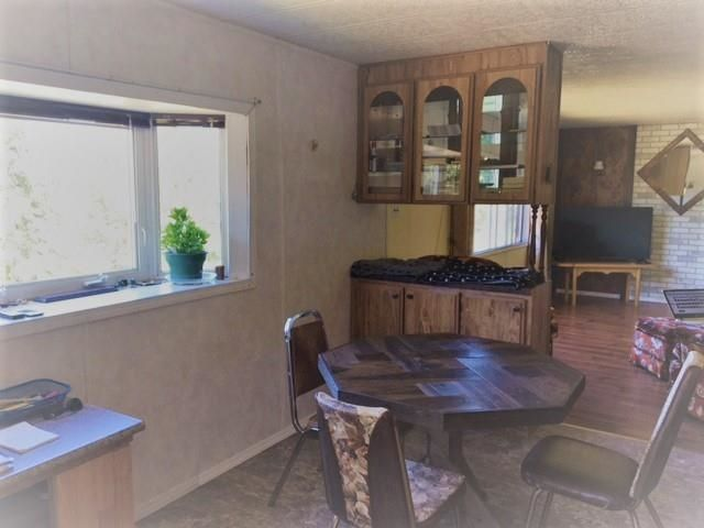 """Photo 10: Photos: 1201 HLADY Road in Quesnel: Quesnel - Rural North Manufactured Home for sale in """"MOOSE HEIGHTS"""" (Quesnel (Zone 28))  : MLS®# R2603421"""