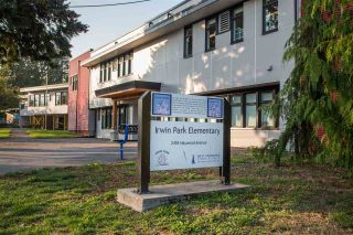Photo 35: 2317 MARINE Drive in West Vancouver: Dundarave 1/2 Duplex for sale : MLS®# R2504990