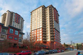 Photo 1: 906 813 AGNES Street in New Westminster: Downtown NW Condo for sale : MLS®# R2382886