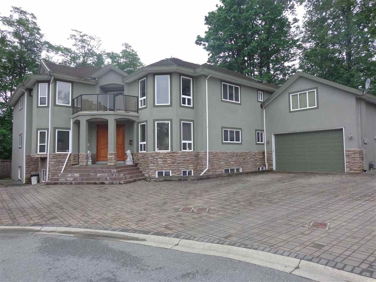 Main Photo: 8869 EDINBURGH Drive in Surrey: Queen Mary Park Surrey House for sale : MLS®# R2370968