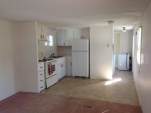 """Photo 5: Photos: 4 12868 229 Street in Maple Ridge: East Central Manufactured Home for sale in """"ALOUETTE RETIREMENT MOBILE HOME"""" : MLS®# R2212322"""