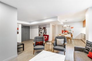 """Photo 15: 907 189 KEEFER Street in Vancouver: Downtown VE Condo for sale in """"Keefer Block"""" (Vancouver East)  : MLS®# R2439684"""