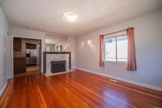 Photo 3: 1450 Westall Ave in : Vi Oaklands House for sale (Victoria)  : MLS®# 883523