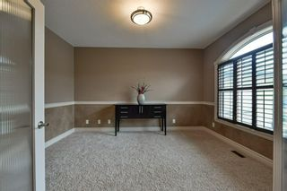 Photo 6: 32 coulee View SW in Calgary: Cougar Ridge Detached for sale : MLS®# A1117210