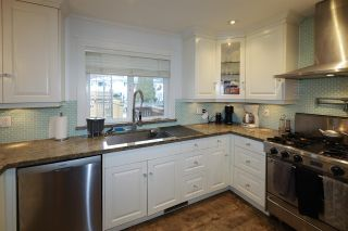 Photo 5: 7589 VIVIAN Drive in Vancouver: Fraserview VE House for sale (Vancouver East)  : MLS®# R2531068