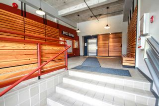 """Photo 3: 407 549 COLUMBIA Street in New Westminster: Downtown NW Condo for sale in """"C2C LOFTS & FLATS  http://c2clofts.ca/"""" : MLS®# R2094393"""