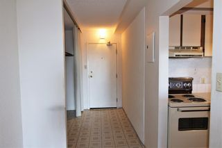 Photo 2: 907 221 6 Avenue SE in Calgary: Downtown Commercial Core Apartment for sale : MLS®# A1094738