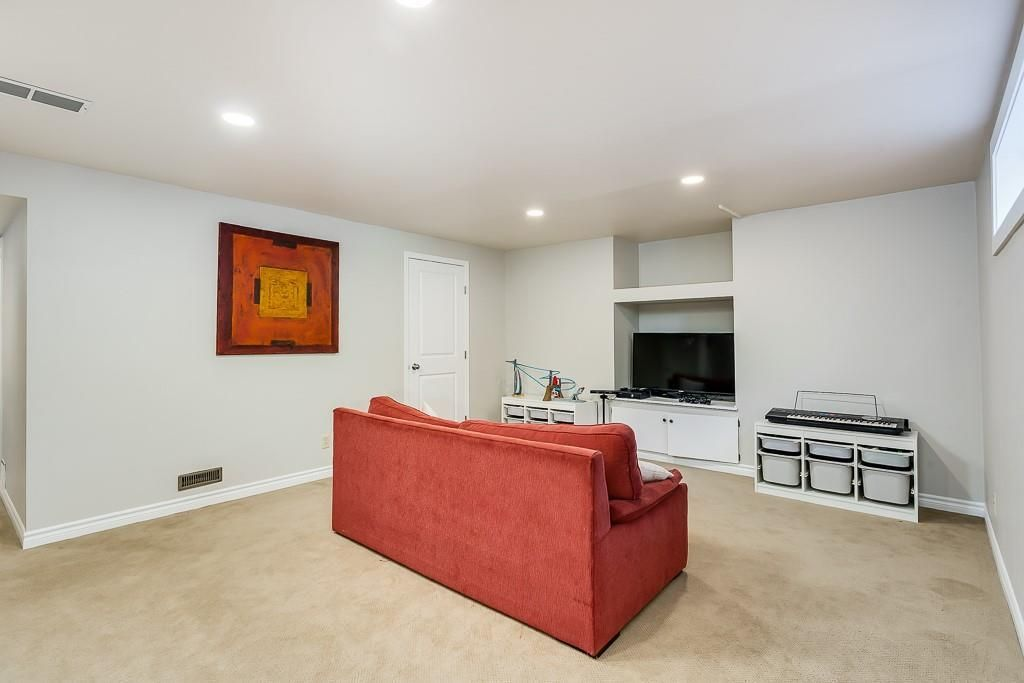 Photo 30: Photos: 115 SIERRA MORENA Circle SW in Calgary: Signal Hill Detached for sale : MLS®# C4299539