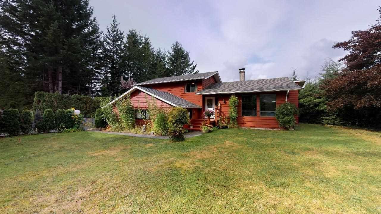 """Main Photo: 40169 KINTYRE Drive in Squamish: Garibaldi Highlands House for sale in """"Garibaldi Highlands"""" : MLS®# R2404374"""