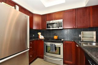 """Photo 11: 104 55 E 10TH Avenue in Vancouver: Mount Pleasant VE Condo for sale in """"ABBEY LANE"""" (Vancouver East)  : MLS®# R2265111"""