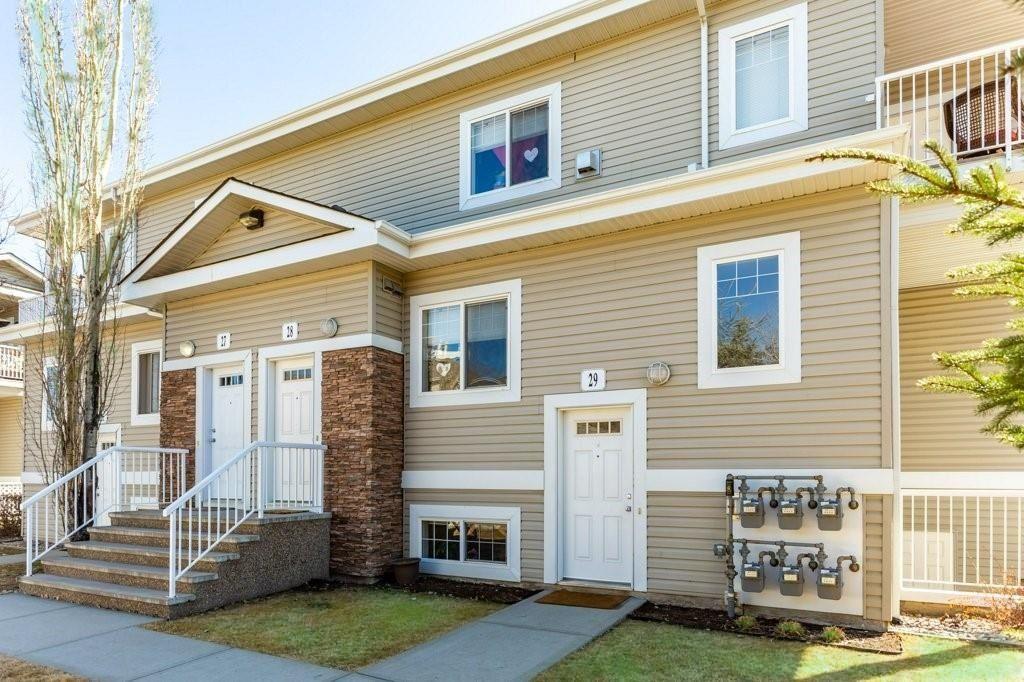 Main Photo: 29C 79 BELLEROSE Drive: St. Albert Carriage for sale : MLS®# E4254472