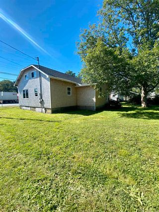 Photo 11: 82 King Street in Shelburne: 407-Shelburne County Residential for sale (South Shore)  : MLS®# 202123601