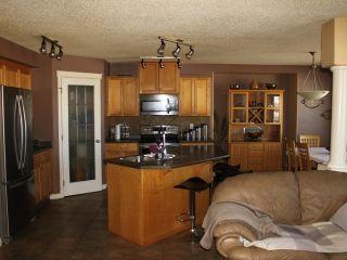 Photo 5: 222 WYMAN Lane in Edmonton: Zone 30 House for sale : MLS®# E4238697