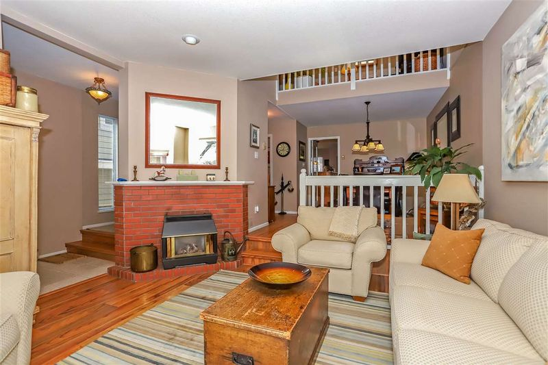 FEATURED LISTING: B - 450 6TH Street West North Vancouver