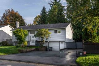 Photo 1: 18162 61B Avenue in Surrey: Cloverdale BC House for sale (Cloverdale)  : MLS®# R2509695