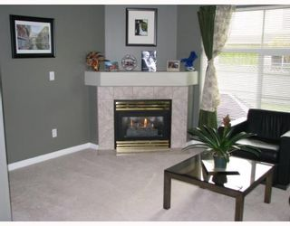 "Photo 2: 56 758 RIVERSIDE Drive in Port_Coquitlam: Riverwood Townhouse for sale in ""RIVERLANE ESTATES"" (Port Coquitlam)  : MLS®# V765260"