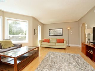 Photo 3: 4963 ARSENAULT Pl in VICTORIA: SE Cordova Bay House for sale (Saanich East)  : MLS®# 785855