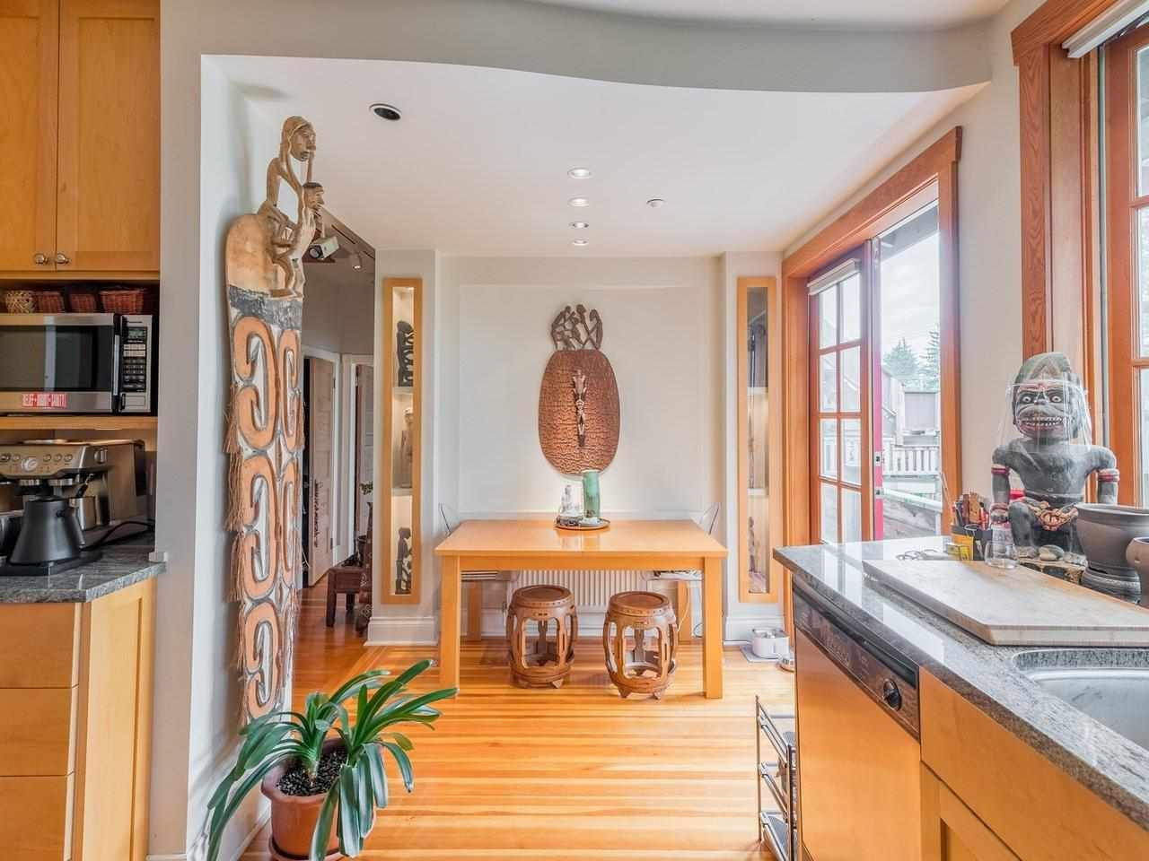 Photo 6: Photos: 2556 W 2ND Avenue in Vancouver: Kitsilano House for sale (Vancouver West)  : MLS®# R2593228
