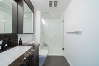 """Photo 17: 2507 5665 BOUNDARY Road in Vancouver: Collingwood VE Condo for sale in """"WALL CENTRE CENTRAL PARK SOUTH"""" (Vancouver East)  : MLS®# R2539277"""