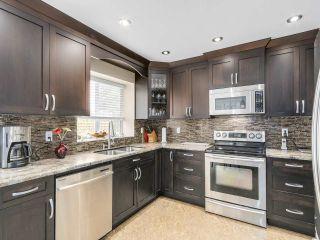 Photo 5: 20341 WALNUT Crescent in Maple Ridge: Southwest Maple Ridge House for sale : MLS®# R2199123