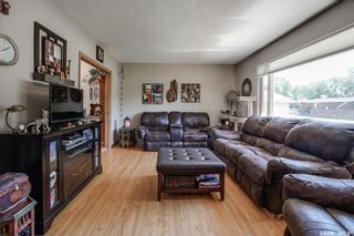 Photo 5: 437 East Place in Saskatoon: Eastview SA Residential for sale : MLS®# SK818539