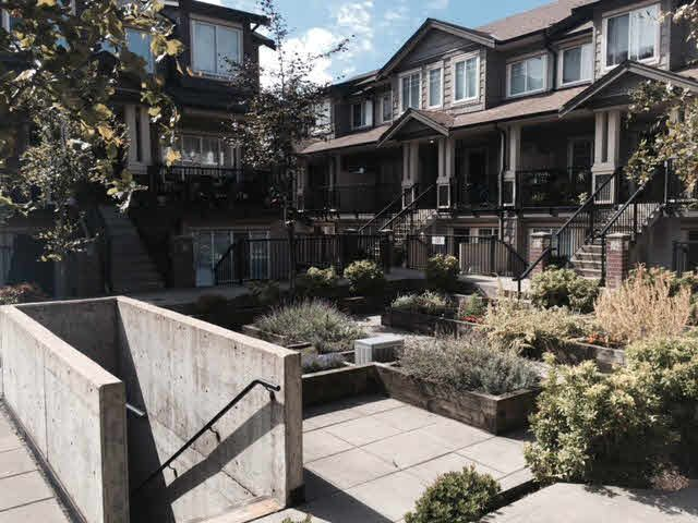 """Photo 11: Photos: 136 13958 108TH Avenue in Surrey: Whalley Townhouse for sale in """"Aura Townhomes"""" (North Surrey)  : MLS®# F1451642"""
