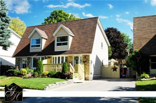 Photo 1: 547 Camelot Drive in Oshawa: Eastdale House (2-Storey) for sale : MLS®# E3315063