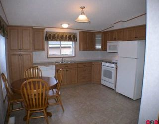 """Photo 2: 85 24330 FRASER Highway in Langley: Otter District Manufactured Home for sale in """"Langley Grove Estates"""" : MLS®# F2927033"""