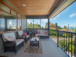 Photo 3: 4980 LAUREL Avenue in Sechelt: Sechelt District House for sale (Sunshine Coast)  : MLS®# R2589236