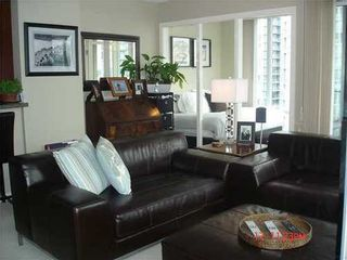 Photo 2: 2306 583 BEACH Crescent in Vancouver West: Home for sale : MLS®# V853755