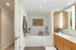 """Photo 11: 102 1168 RICHARDS Street in Vancouver: Yaletown Townhouse for sale in """"PARK LOFTS"""" (Vancouver West)  : MLS®# R2202304"""