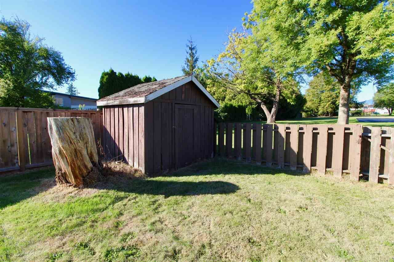 Photo 18: Photos: 6029 GLENGARRY Drive in Sardis: Sardis West Vedder Rd House for sale : MLS®# R2211017
