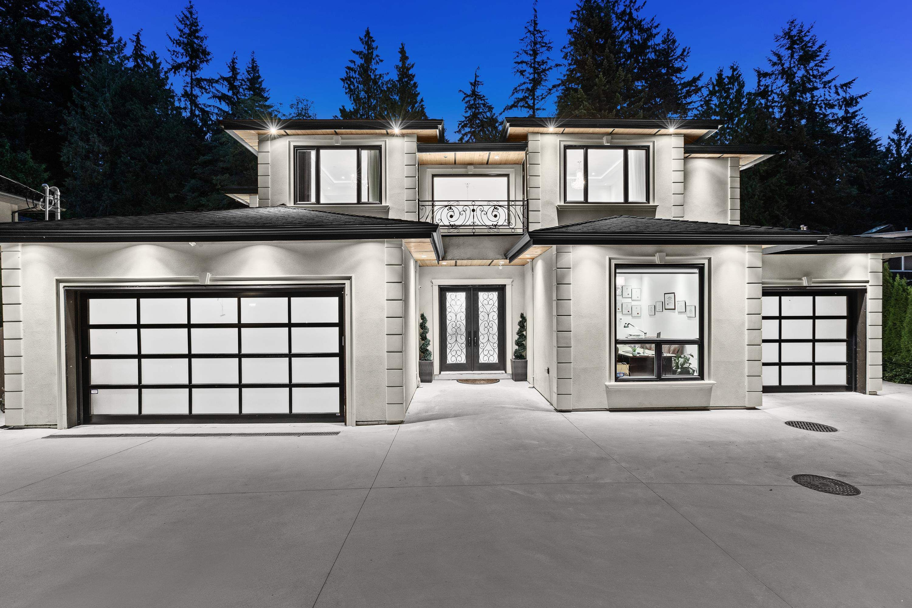 Main Photo: 348 MOYNE Drive in West Vancouver: British Properties House for sale : MLS®# R2618166