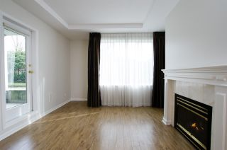 """Photo 6: 108 6475 CHESTER Street in Vancouver: Fraser VE Condo for sale in """"Southridge House"""" (Vancouver East)  : MLS®# R2439801"""