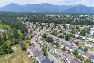 Photo 6: 8567 MCCUTCHEON Avenue in Chilliwack: Chilliwack W Young-Well House for sale : MLS®# R2202086