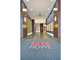 """Photo 2: 808 1212 HOWE Street in Vancouver: Downtown VW Condo for sale in """"1212 HOWE"""" (Vancouver West)  : MLS®# V1103940"""