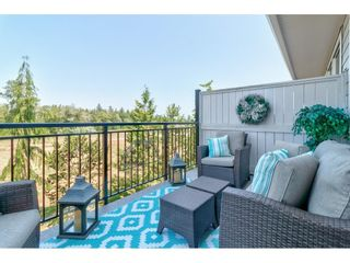 """Photo 18: 28 15717 MOUNTAIN VIEW Drive in Surrey: Grandview Surrey Townhouse for sale in """"Olivia"""" (South Surrey White Rock)  : MLS®# R2600355"""