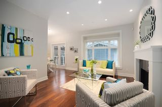 Photo 3: 826 East 14th Avenue in Vancouver: Home for sale : MLS®# V1044825