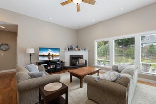 Photo 2: 1884 Sussex Dr in : CV Crown Isle House for sale (Comox Valley)  : MLS®# 885066