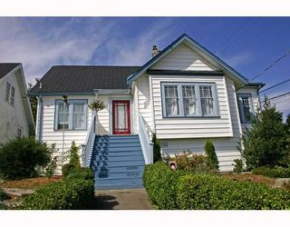 Photo 1: 1401 6TH Avenue in New_Westminster: West End NW House for sale (New Westminster)  : MLS®# V731858