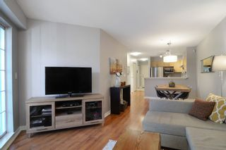 """Photo 8: 212 147 E 1ST Street in North Vancouver: Lower Lonsdale Condo for sale in """"The Coronado"""" : MLS®# R2136630"""