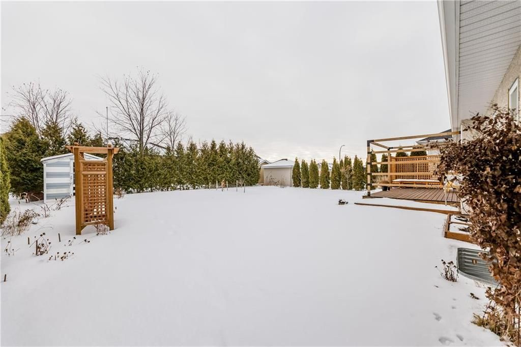 Photo 26: Photos: 6 AVONDALE Crescent in Steinbach: R16 Residential for sale : MLS®# 202100399