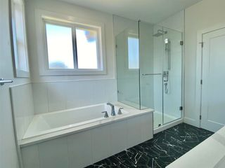 """Photo 13: 8365 BREAKEY Street in Mission: Mission BC House for sale in """"WEST HEIGHTS-WEST OF CEDAR"""" : MLS®# R2583454"""
