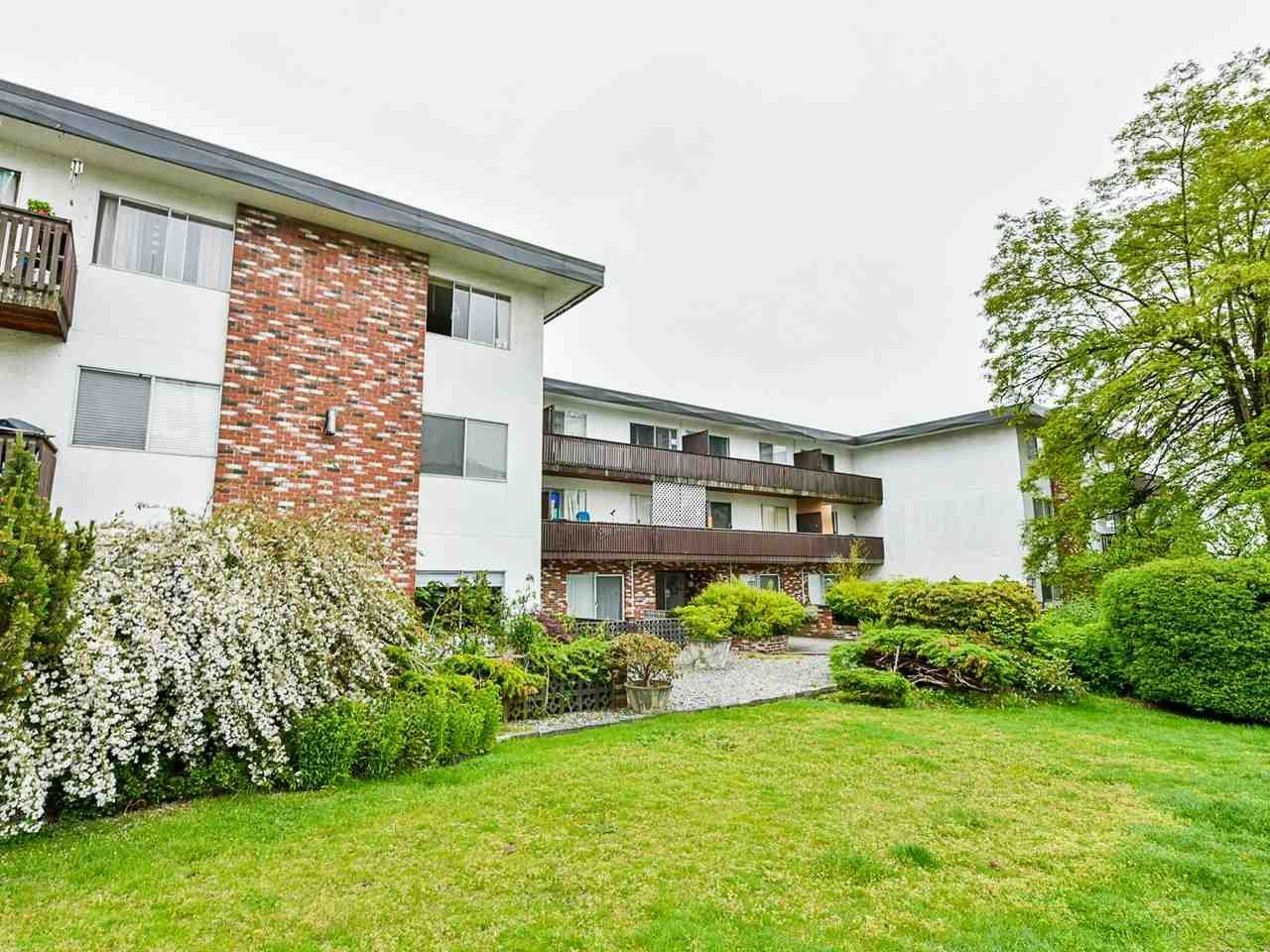 """Main Photo: 103 910 FIFTH Avenue in New Westminster: Uptown NW Condo for sale in """"Grosvenor Court/ Aldercrest Developments Inc."""" : MLS®# R2459937"""