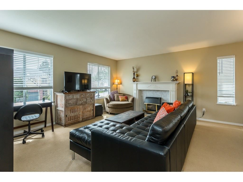 Photo 10: Photos: 35275 BELANGER Drive in Abbotsford: Abbotsford East House for sale : MLS®# R2558993