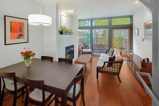 Photo 3: 392 E 15TH Avenue in Vancouver: Mount Pleasant VE Townhouse for sale (Vancouver East)  : MLS®# R2349680